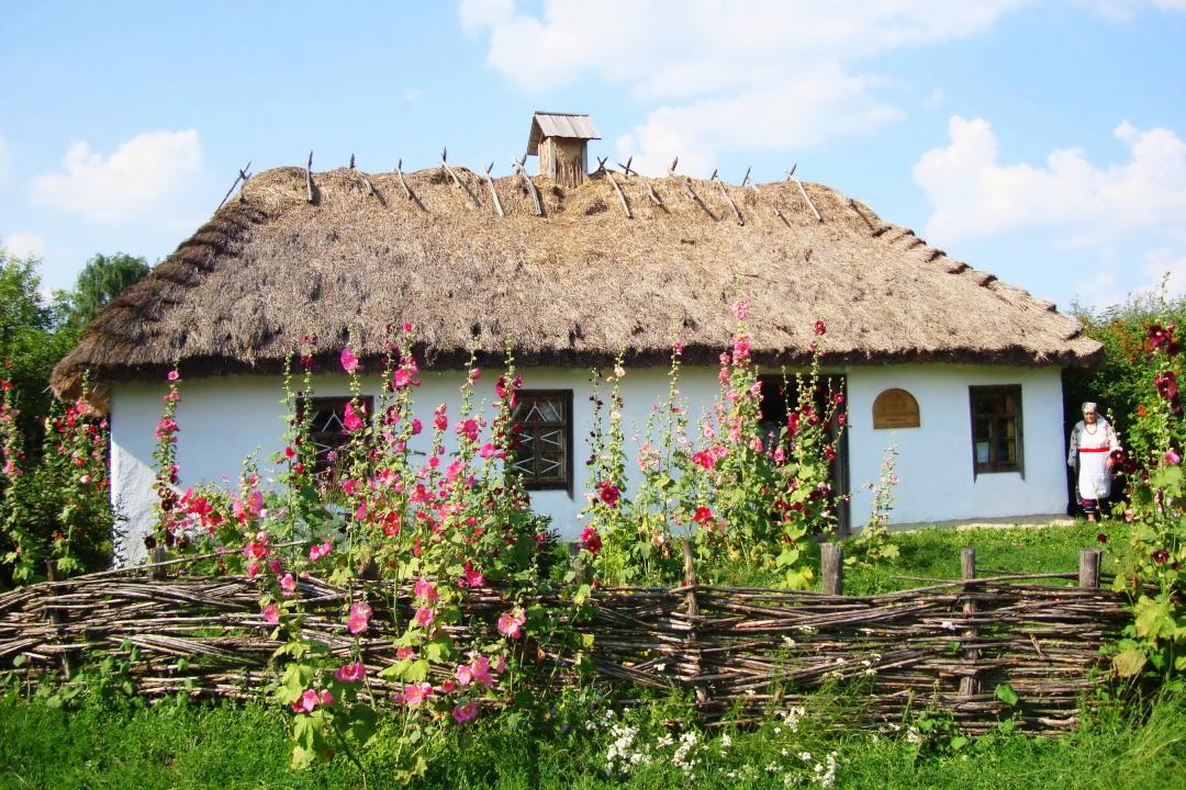 2-Музей-садиба співака І. С. Козловського у с.Мар'янівці