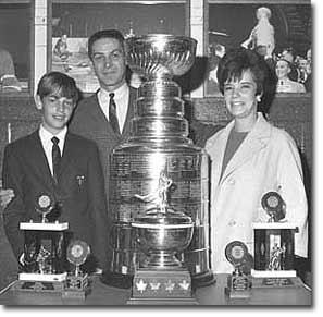 Террі Савчук з сім'єю - ыз сином Джеррі та дружиною Пат, 1967 р.