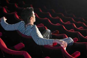 Кассовые сборы от кинопроката в Украине за три месяца упали более чем вдвое