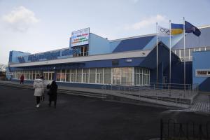 Братья Кличко открыли обновленный легкоатлетический манеж на Березняках