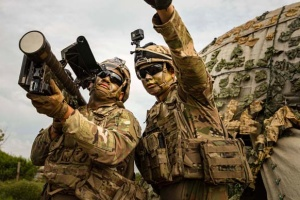 Байден дозволив трансгендерам служити в армії США