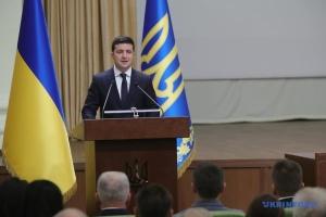 Зеленський привітав військовослужбовців та добровольців із Днем Збройних сил України
