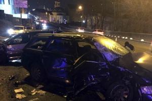 В Киеве ночью столкнулись иномарки: один человек погиб, четверо госпитализированы