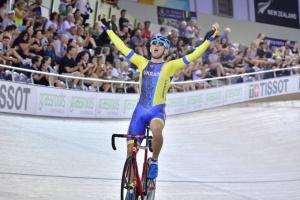Роман Гладыш победил на этапе Кубка мира по велотреку