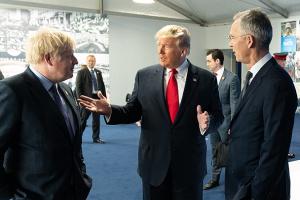 Трамп анонсував велику торговельну угоду з Британією