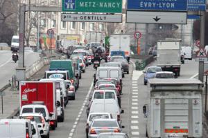 Понад 630 кілометрів: Паризький регіон паралізували рекордні затори