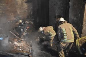 Пожежа в одеському коледжі: рятувальники розбирають завали