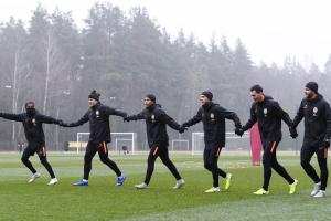 """Футболісти """"Шахтаря"""" провели відкрите тренування перед матчем з """"Аталантою"""""""