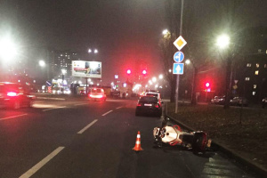 У Києві мотоцикліст на смерть збив пішохода