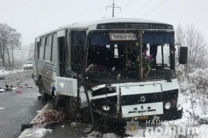 Автобус із пасажирами потрапив у смертельну ДТП під Тернополем