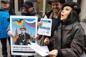 В Нью-Йорке диаспора пикетировала Fox News за пропутинские высказывания