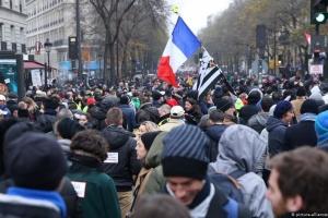 Страйки у Франції не збираються переривати на різдвяні свята