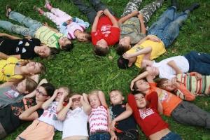 В Абу-Дабі організують зимовий табір для української малечі