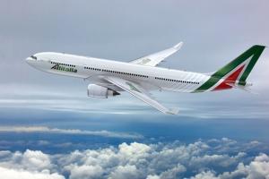 Итальянская авиакомпания отменила более 300 рейсов из-за забастовки