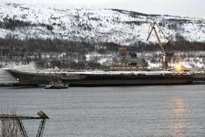 """Пожар на российском авианосце """"Адмирал Кузнецов"""" тушили сутки, есть погибшие"""