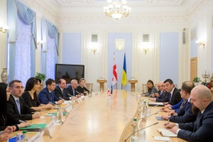 Разумков обсудил с премьером Грузии реформы и защиту прав на оккупированных территориях
