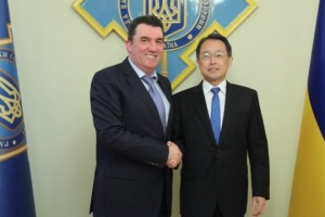 Secretario del CSND y el Embajador de Japón discuten áreas prometedoras de cooperación