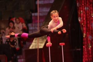В Днипре стартовал фестиваль детского циркового искусства