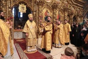 Годовщина создания ПЦУ: в Михайловском Златоверхом соборе провели богослужение