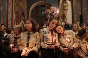 Вифлеемский огонь мира — уже в Украине