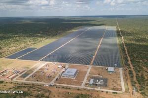 В Кении запустили крупнейшую солнечную электростанцию в Восточной Африке