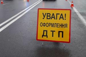На Львовщине микроавтобус столкнулся с легковушками: двое погибших