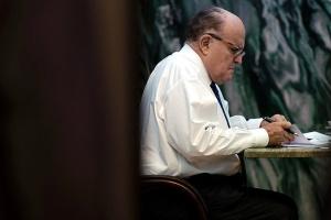 Асоціація юристів у США закликає позбавити Джуліані ліцензії