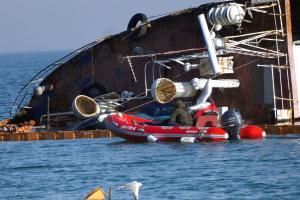 Власник Delfi підніме затонулий танкер власним коштом