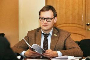 Заступник глави ОП Смирнов задекларував три квартири й 491 тисячу доходу