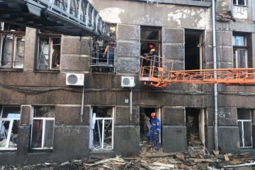 Noch zwei Leichen unter Trümmern der  Berufsschule in Odessa geborgen