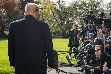 Destitution de Trump: Des actes d'accusation sont transférés au Sénat