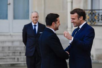 Volodymyr Zelensky et Emmanuel Macron ont eu un entretien téléphonique