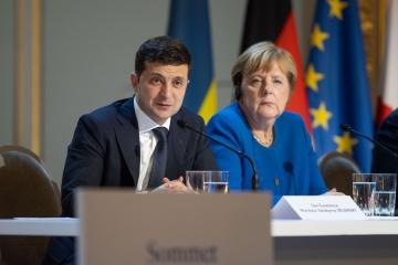 Zelensky trata con Merkel la investigación sobre el vuelo PS 752, el tránsito de gas y la situación en el Donbás