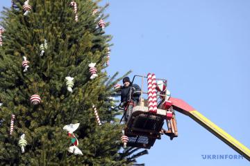 Kyiv se prépare pour les fêtes de fin d'année