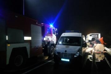 Tschernihiw: 3 Tote und 15 Verletzte bei Kollision von Bus und Lkw