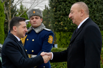 En Azerbaïdjan, Volodymyr Zelensky s'est entretenu avec Ilham Aliyev