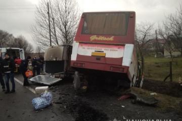 Acht Verletzte beim Verkehrsunfall mit einem Passagierbus in Oblast Wolhynien