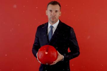 Andriy Shevchenko y jugadores del equipo nacional felicitan a los ucranianos por el Año Nuevo