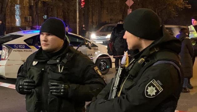 Стрілянина у центрі Києва: поліція шукає зловмисника, який смертельно поранив дитину
