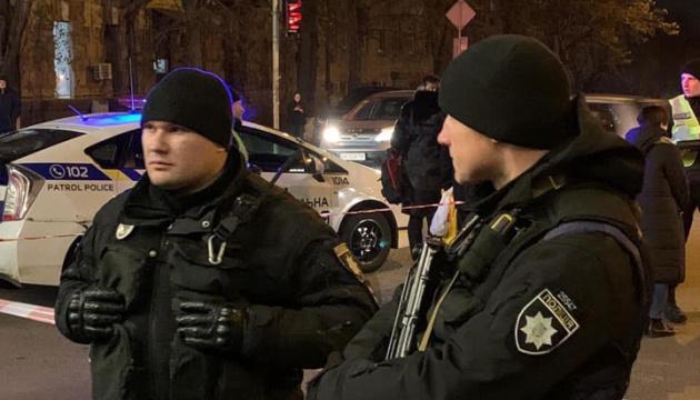 Полиция разыскивает одного подозреваемого, стрелявшего в Range Rover