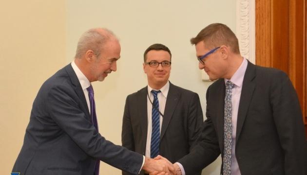 Bakanov a discuté avec l'ambassadeur de France de la lutte contre le terrorisme international et les cybermenaces