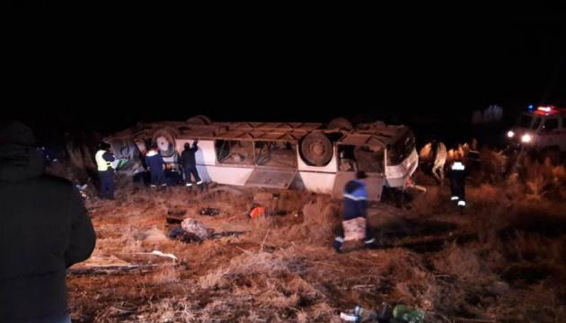 У Казахстані перекинувся автобус – восьмеро загиблих