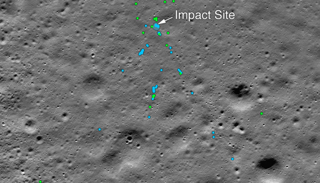 NASA показало место крушения на Луне индийского космического аппарата