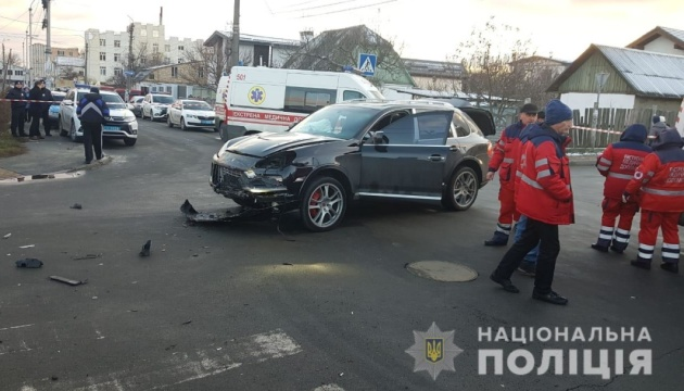 Під Києвом зіткнулися маршрутка і Porsche, двоє загиблих