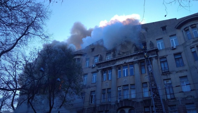 Пожежа в одеському коледжі: госпіталізували 12 осіб, з них четверо - вогнеборці