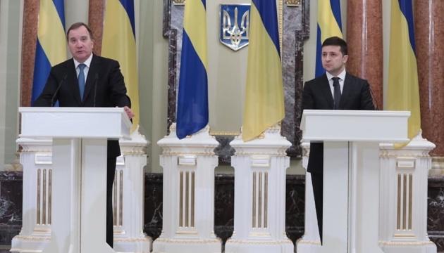 Presidente: Ucrania cuenta con la ayuda de Suecia para restaurar la infraestructura del Donbás