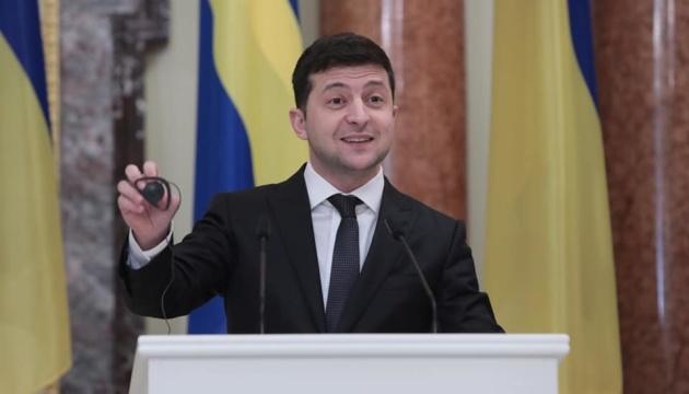 Präsident Selenskyj wirbt um schwedische Investitionen