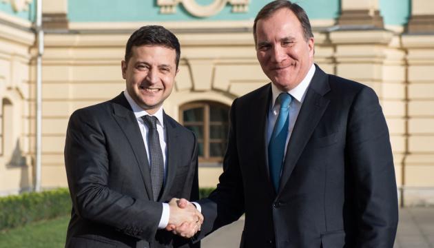 Zelensky s'est entretenu avec le premier ministre suédois à Kyiv