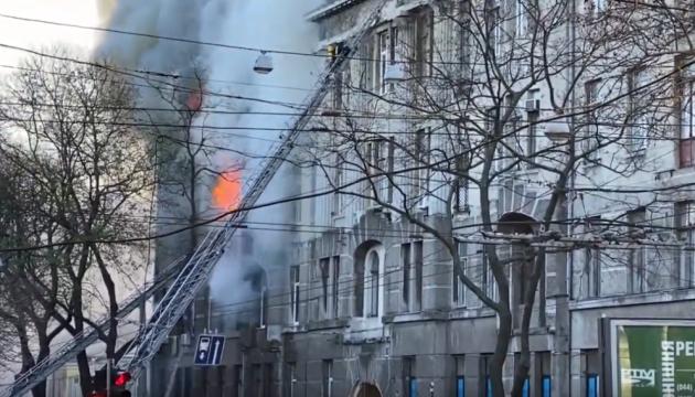 Двое пострадавших на пожаре в одесском колледже - в тяжелом состоянии