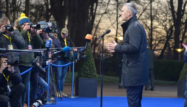 Stoltenberg: La OTAN tiene un enfoque dual para Rusia